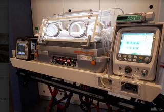 Incubatrice  neonati  ospeadale  meyer  terapia intensiva neonatale