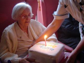 Nurse_in_geriatry
