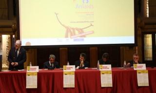 Marchini  amase  aids  hiv  anlaids  genova  congresso  migranti  virus  infezione