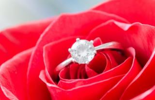 Foto anello fidanzamento1