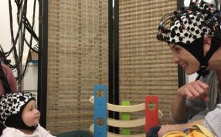 Hasenfratz  piazza  princeton  studio  bambini  sincronizzazione  sincronia neurale  cervello  gioco  lab  spettroscopia