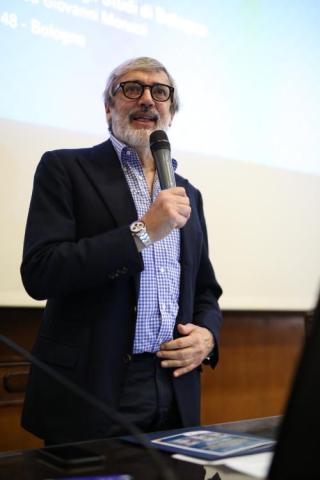 Giuseppe Plazzi1