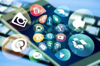 Stress  social media  tecnostress  facebook  ricerca