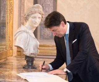 Dpcm  conte  firma  zona rossa  governo  coronavirus  covid-19  infezione  italia  lombardia  regole