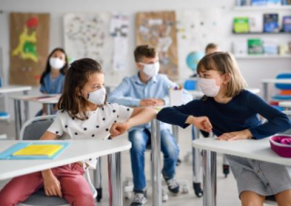 Alunni  covid-19  contagi  focolai  scuola  coronavirus