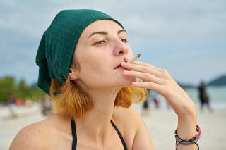 Smoking-2076811_640